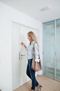 abus 7010 t r zusatzschloss einbruchschutz f r ihre. Black Bedroom Furniture Sets. Home Design Ideas